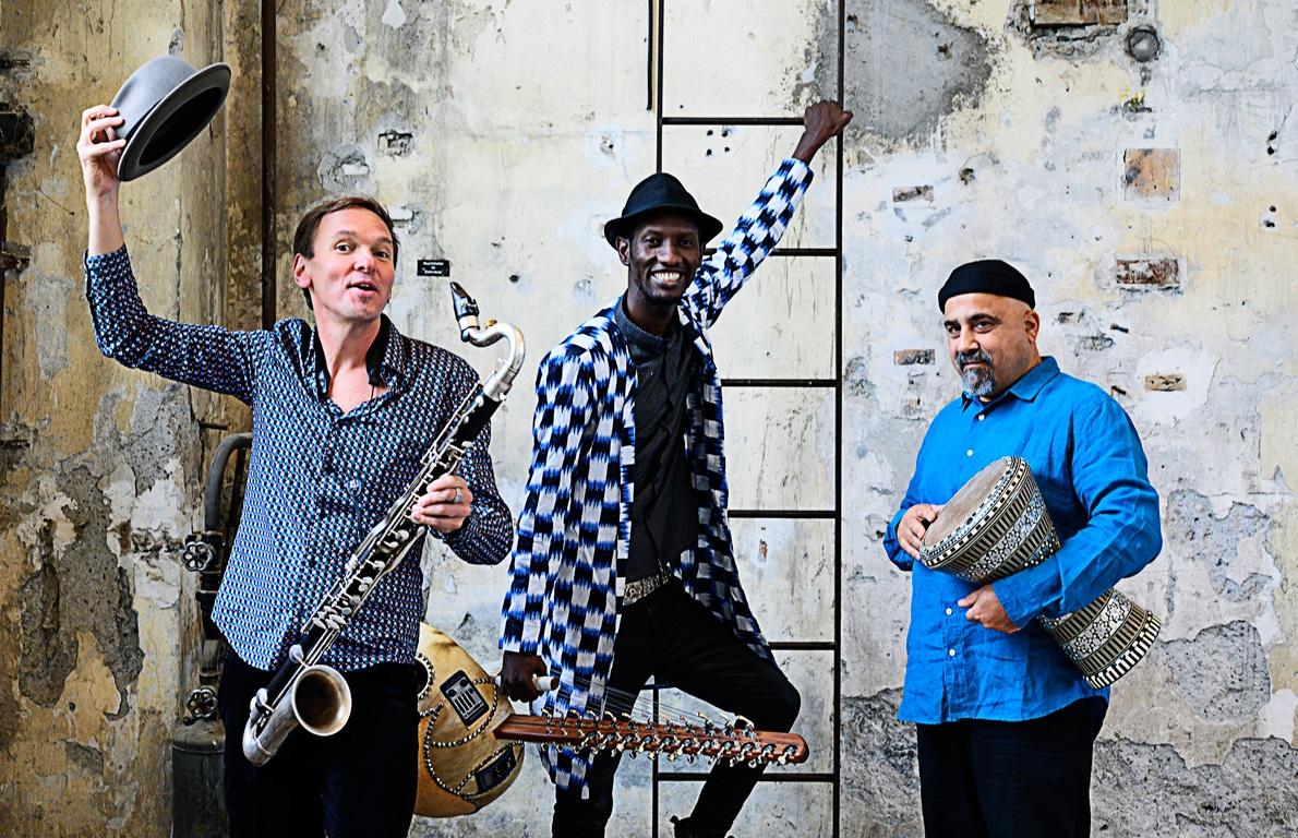 Trio JMO